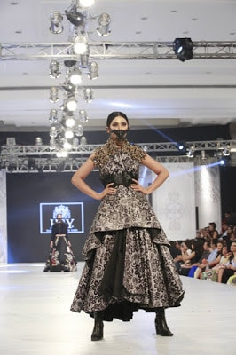 Hsy-kingdom-bridal-wear-dresses-collection-at-plbw-2016-3
