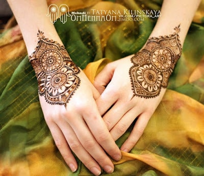 special-chand-raat-henna-designs-for-eid-2016-17-for-hands-13