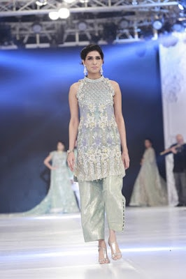 saira-shakira-designer-bridal-dresses-zohra-collection-at-pblw-2016-13
