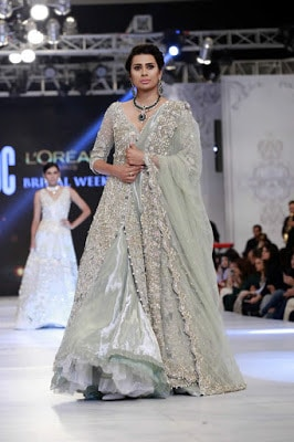 saira-shakira-designer-bridal-dresses-zohra-collection-at-pblw-2016-14