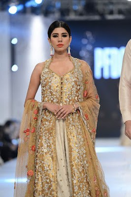 sania-maskatiya-bridal-dresses-collection-at-pfdc-l'oréal-paris-bridal-week-2016-4