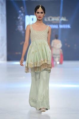 shamsha-hashwani-designer-bridal-lehenga-dresses-at-plbw-2016-15
