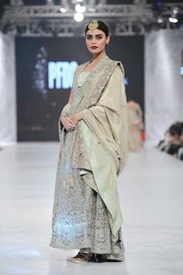 shamsha-hashwani-designer-bridal-lehenga-dresses-at-plbw-2016-6