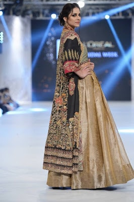 shiza-hassan-traditional-bridal-dress-collection-at-pfdc-l'oréal-paris-bridal-week-2016-4
