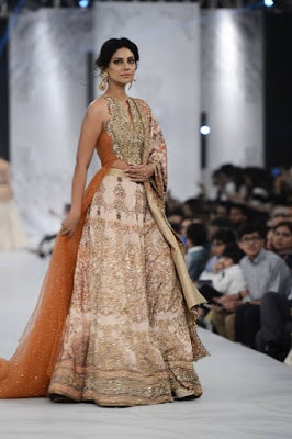 shiza-hassan-traditional-bridal-dress-collection-at-pfdc-l'oréal-paris-bridal-week-2016-5
