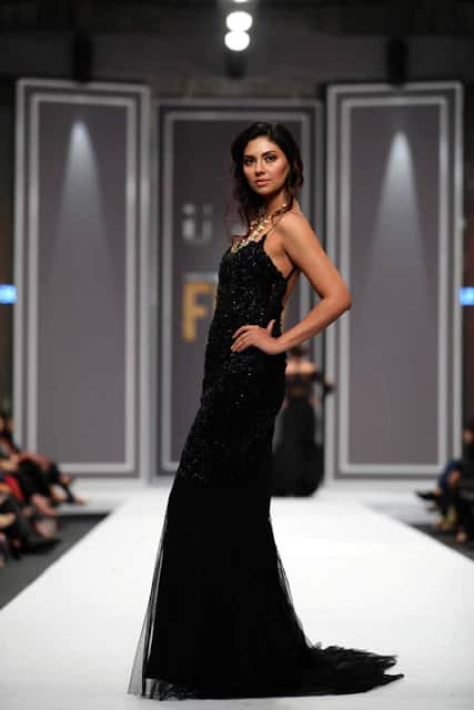 sobia-nazir-pakistani-bridal-dresses-2016-collection-at-fpw-2016-11