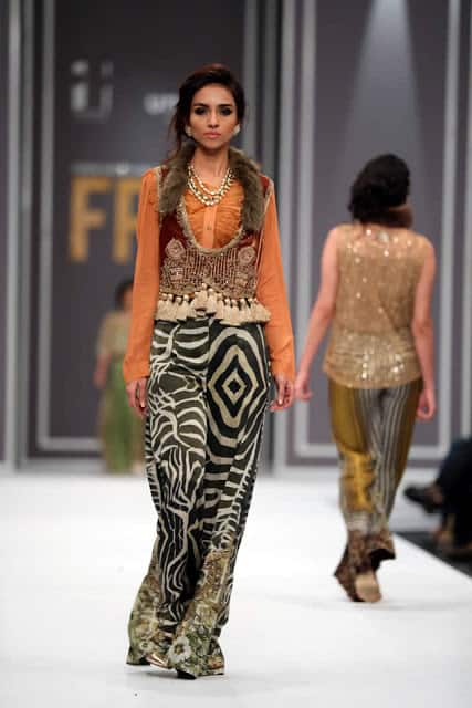 sobia-nazir-pakistani-bridal-dresses-2016-collection-at-fpw-2016-13