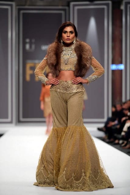 sobia-nazir-pakistani-bridal-dresses-2016-collection-at-fpw-2016-16