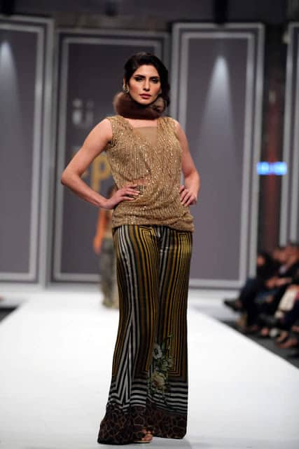 sobia-nazir-pakistani-bridal-dresses-2016-collection-at-fpw-2016-4