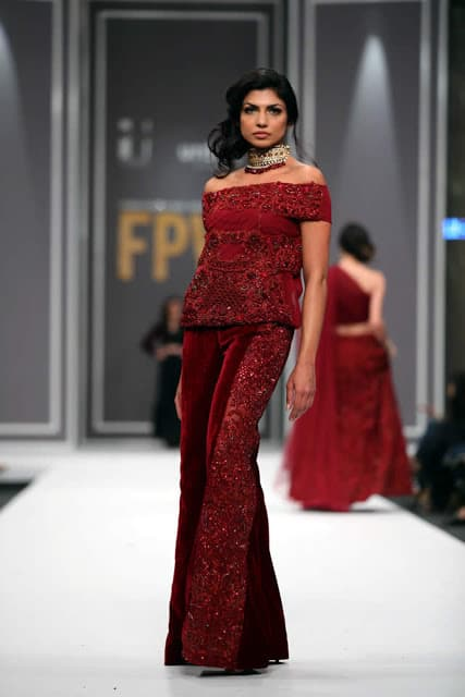 sobia-nazir-pakistani-bridal-dresses-2016-collection-at-fpw-2016-7