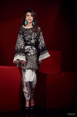 thredz-black-&-white-unstitched-formal-winter-dresses-collection-2016-12