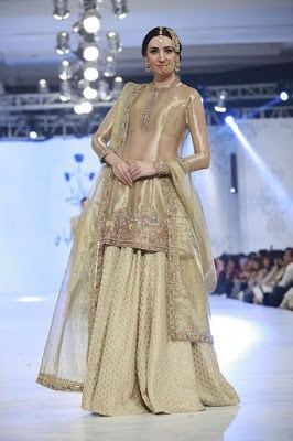 zara-shahjahan-designer-bridal-dress-collection-at-plbw-2016-10