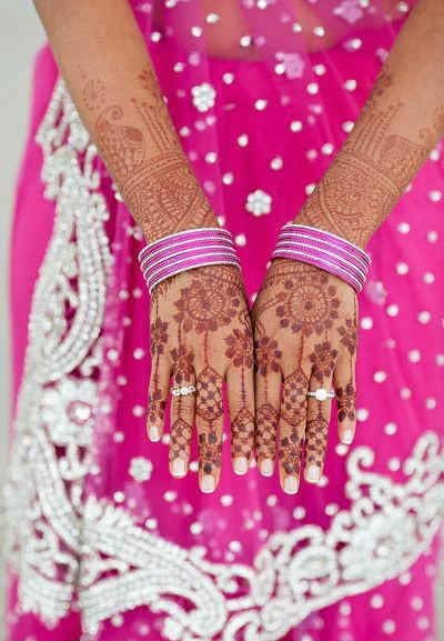 best-and-simple-Indian-bridal-mehndi-designs-for-hands-for-beginner-30