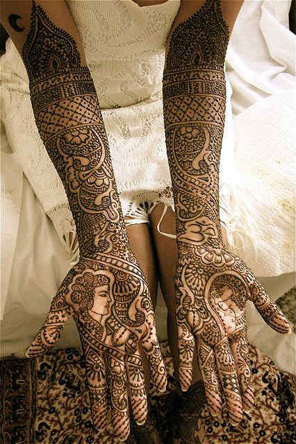 best-and-simple-Indian-bridal-mehndi-designs-for-hands-for-beginner-5
