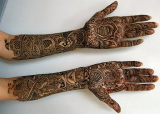 latest-pattern-of-traditional-Indian-mehndi-designs-for-hands-for-girls-1