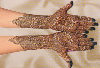 latest-pattern-of-traditional-Indian-mehndi-designs-for-hands-for-girls-3
