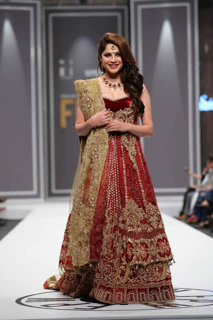 saira-rizwan-bridal-wear-dresses-designs-for-wedding-at-fpw-2016-1
