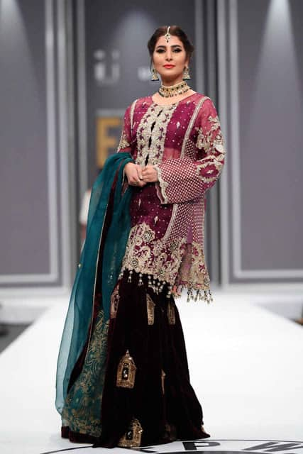 saira-rizwan-bridal-wear-dresses-designs-for-wedding-at-fpw-2016-9