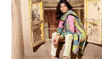 shariq-textiles-rabea-new-winter-shawl-dresses-collection-2017-for-girls-8