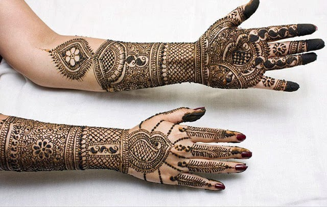 very-easy-and-simple-mehndi-designs-for-beginners-for-hand-1