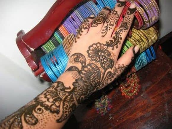 very-easy-and-simple-mehndi-designs-for-beginners-for-hand-11