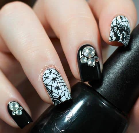 winter-special-nail-art-designs-collection-for-girls-12