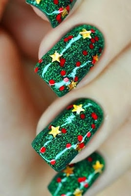 classy-and-stylish-christmas-nail-art-designs-for-girls-12
