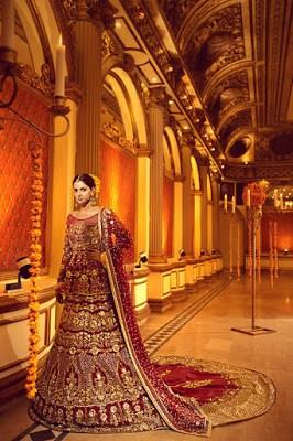 Erum-Khan-nawabzaadi-new-design-bridal-dresses-2017-collection-10