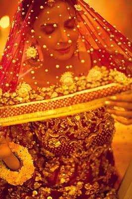 Erum-Khan-nawabzaadi-new-design-bridal-dresses-2017-collection-14