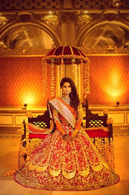 Erum-Khan-nawabzaadi-new-design-bridal-dresses-2017-collection-3