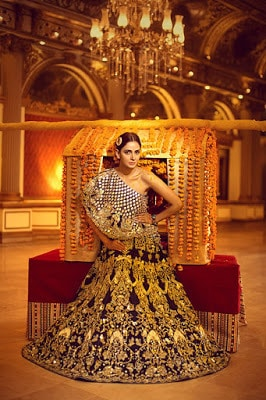 Erum-Khan-nawabzaadi-new-design-bridal-dresses-2017-collection-7