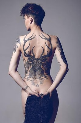 Latest-Stylishly-Challenging-Back-Tattoos-Ideas-for-Women-3