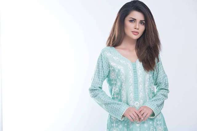 Sahil-winter-kurti-designs-embroidered-collection-2016-17-by-zs-textiles-8