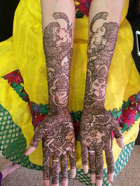 best-and-beautiful-bridal-mehndi-designs-for-full-hands-and-legs-16