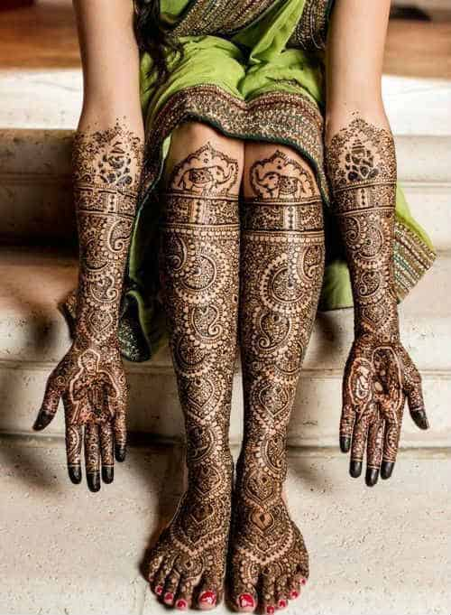 best-and-beautiful-bridal-mehndi-designs-for-full-hands-and-legs-9
