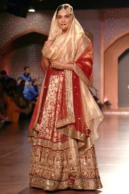 Indian-best-designer-winter-latest-bridal-lehenga-designs-collection-12