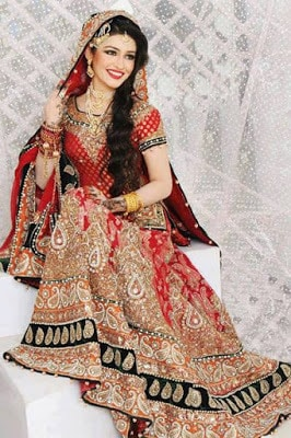 Indian-best-designer-winter-latest-bridal-lehenga-designs-collection-6