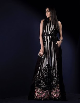 sana-safinaz-latest-and-trendy-ready-to-wear-winter-silk-collection-2017-4