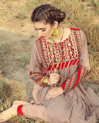 zahra-ahmad-afghan-tribal-winter-wear-dresses-pret-collection-2017-3