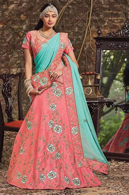 Traditional-indian-bridal-wear-lehenga-designer-collection-2017-5