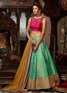 Indian-designer-bridal-lehenga-saree-fashion-trends-for-girls-10