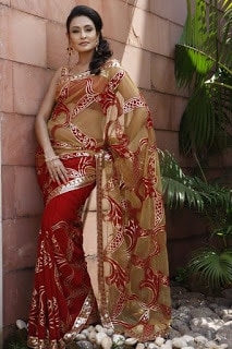 Indian-stylish-crepe-lehenga-silk-sarees-to-keep-you-fashionable-2