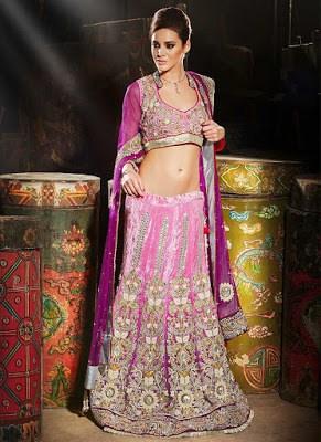 Indian-wedding-lehenga-blouse-designs-2017-for-bridal-4