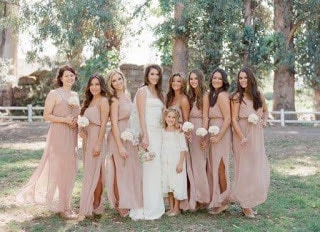 Most-bridesmaid-dresses-that-will-make-you-gasp-2