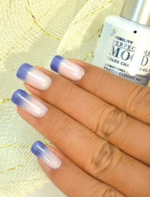 Nail polish changes colors your mood