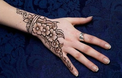 traditional eid mehndi designs for hands