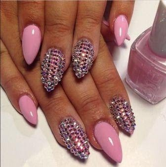 stiletto-nail-designs-that-will-brighten-up-your-day-2