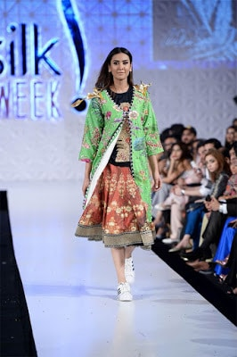 Ali-xeeshan-victory-collection-2017-at-pfdc-sunsilk-fashion-week-4