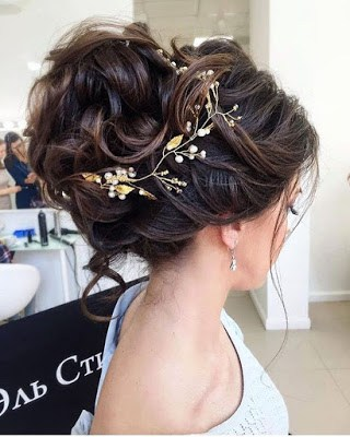 Beautiful-bridal-updo-hairstyles-to-showcase-your-personality-1