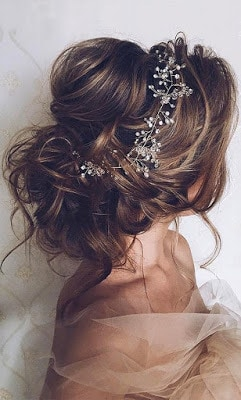 Beautiful-bridal-updo-hairstyles-to-showcase-your-personality-8